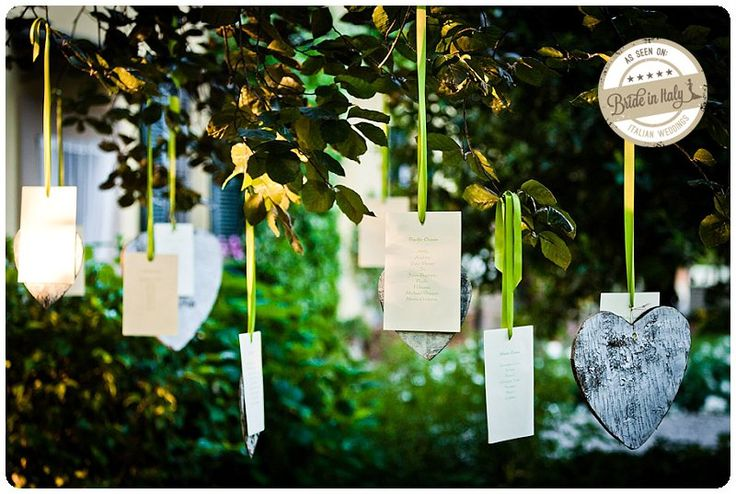 Lovely, hanging seating chart. Ph Mauro Parma http://www.brideinitaly.com/2013/01/mauro-parma.html #italianstyle #diy #tree