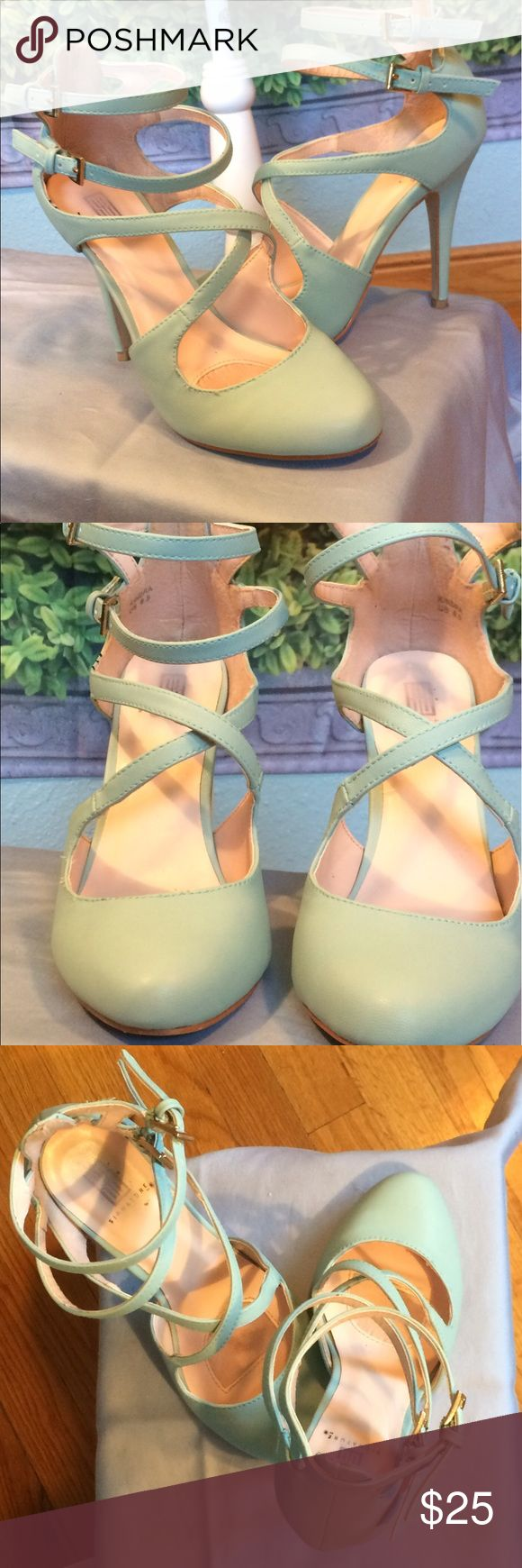 "Shoe Dazzle - Aqua strappy heels Shoe Dazzle - Gorgeous aqua heels with strappy details. 4"" height. Open to reasonable offers. Shoes Heels"
