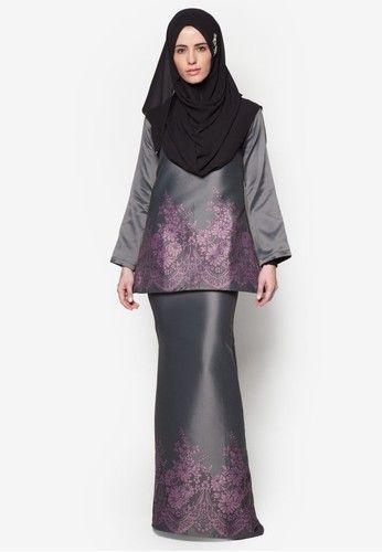 Baju Kurung Taffeta from SAWDAA BY MIZZ NINA in purple and grey_4                                                                                                                                                      More