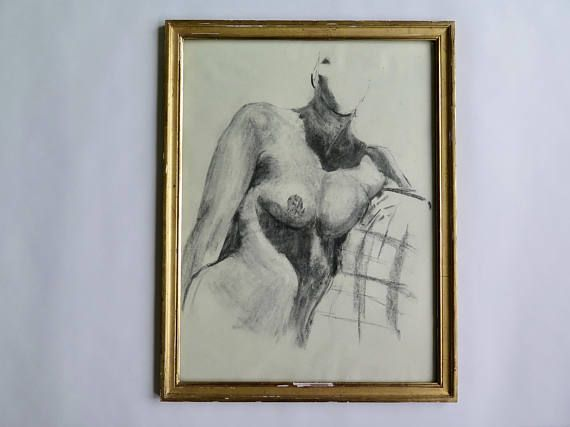 A medium / large size charcoal drawing, nude woman bust. The drawing comes without frame, I used it in the pictures only to show the potential of this artwork. It would look great in a modernist home, mid century decor. The paper is very thin and fragile, it looks like sketch paper but it is actually artist paper, with the impressed mark by Hanemuhle. In very good vintage condition (please refer to pictures). Size: 19 x 24.8 inches (48,5 x 63 cm).    Please do not hesitate to contact me ...