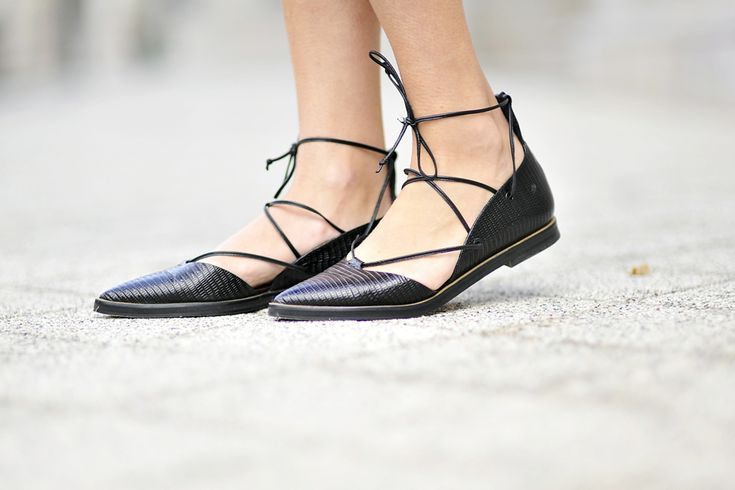 lace-up-shoes #laceupshoes #laceup #whistles