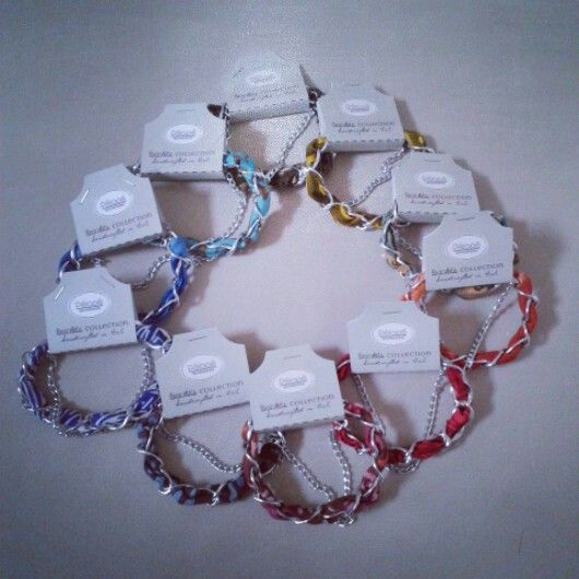 Collection of colors chain bracelets from www.pelopeshop.blogspot.com