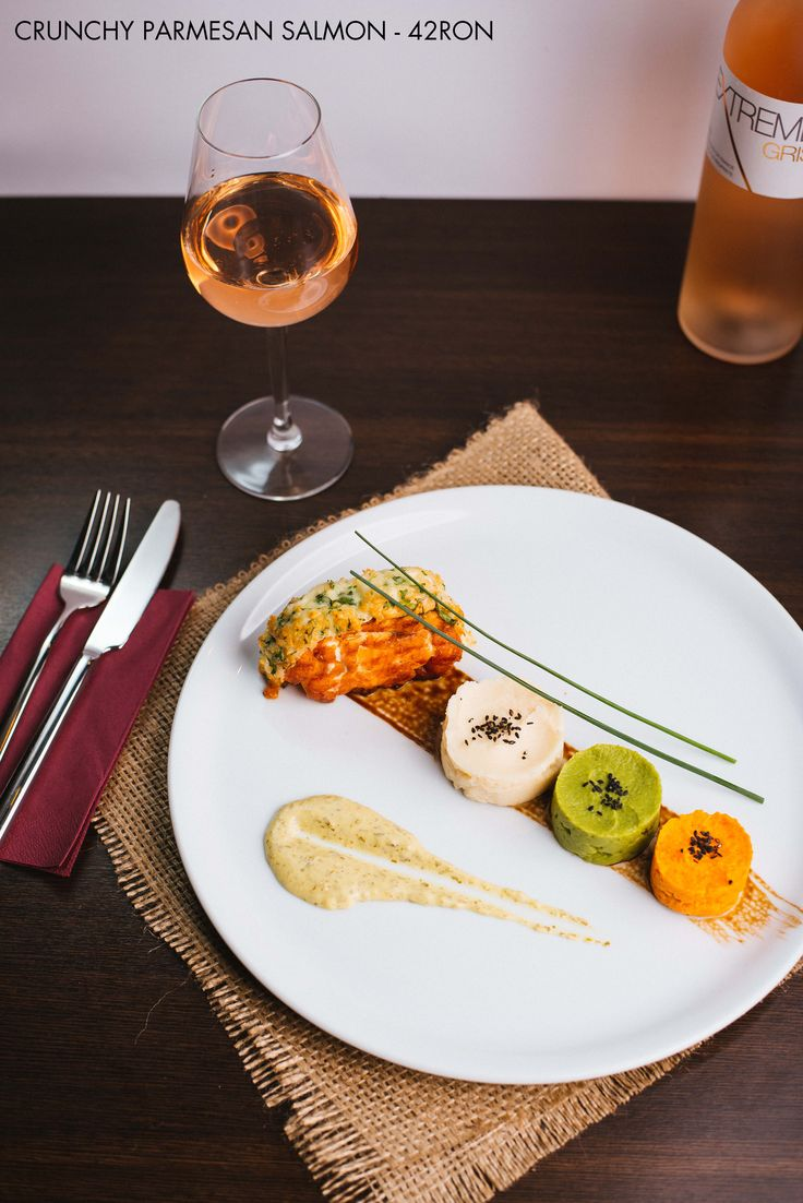 Grilled Salmon in Crunchy Parmesan crust Wine pairing - Extreme Gris Rose