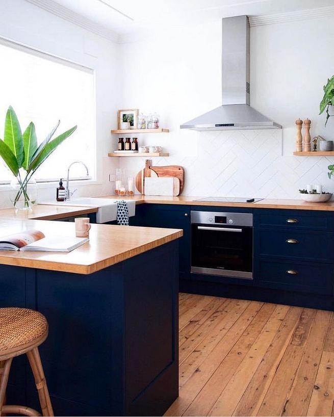 21 Gorgeous Dark Blue Kitchen Cabinets, Navy Blue Kitchen Cabinets With Butcher Block Countertops