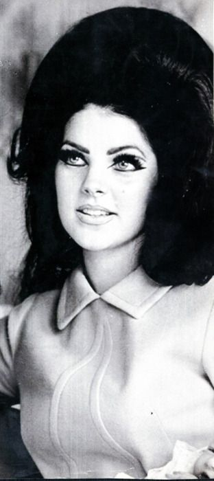 priscilla presley wedding ring