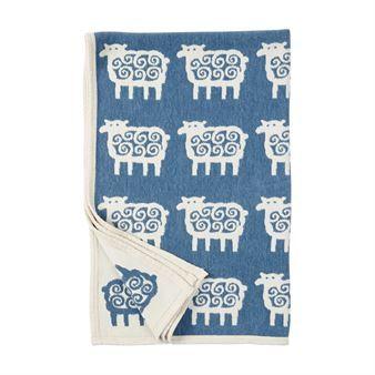 De wonderlijke Sheep chenille deken is een ware klassieker van Klippan Yllefabrik! De deken is ontworpen door het ontwerpduo Bengt