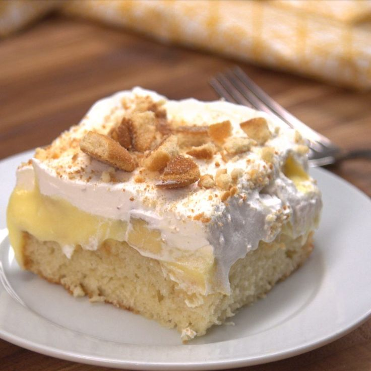 Yellow cake mix, instant banana pudding, frozen whipped topping, bananas, and vanilla wafers -- that's all you need to make this banana pudding poke cake!