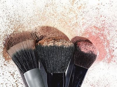 http://www.ebay.com/gds/How-to-Buy-Makeup-Brushes-on-a-Budget-/10000000204020830/g.html