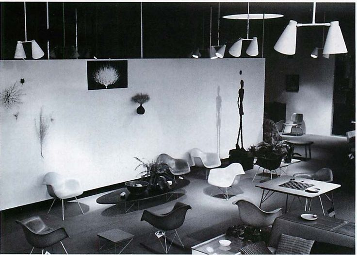 The herman miller showroom designed by charles and ray eames in 1949 is now home to ddcs la store as reported in the june 2008 wallpaper magazine