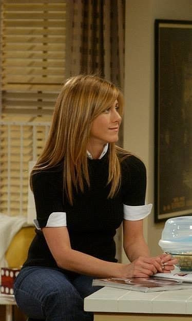 All the times Rachel Green taught us a style lesson in Friends.