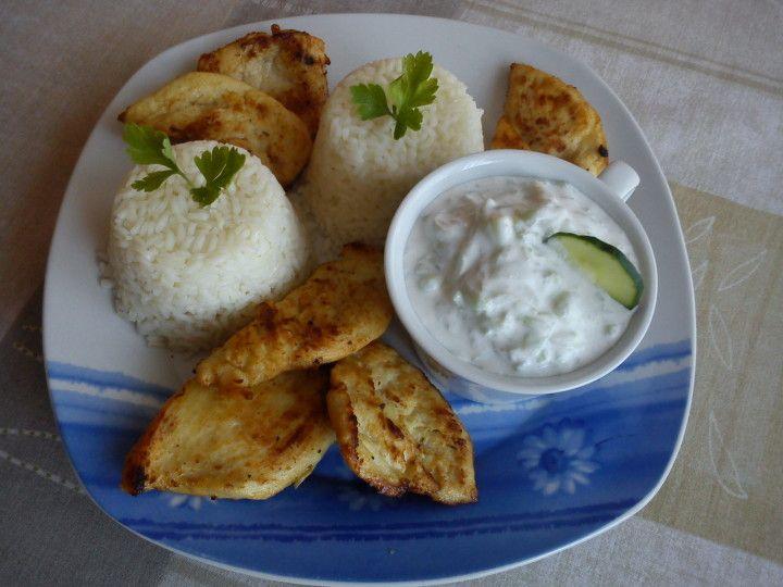 Tejben pácolt csirkemell tzatziki salátával recept   Receptneked.hu (olcso-receptek.hu)