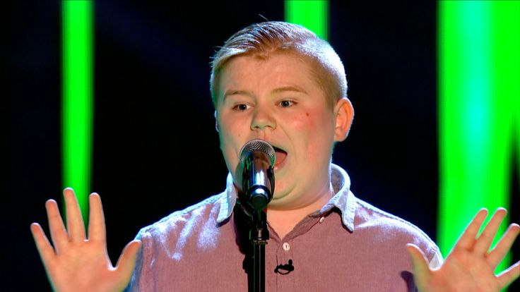 Stephen McLaughlin performs 'Piece Of My Heart' - The Voice UK 2015: Bli...