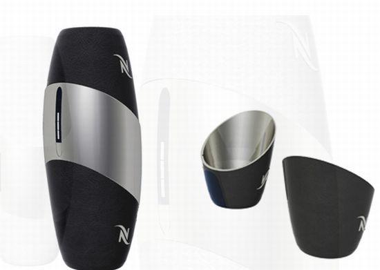 Mini-Nespresso, portable coffee machine for caffeine addicts.