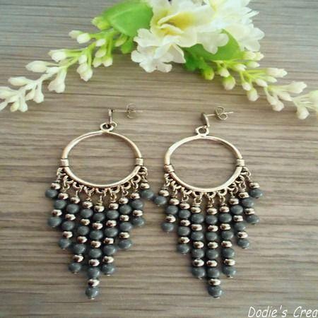 Boucles d'oreilles ethnique chic bohème perles porcelaine gris anthracite et acier bijoux de créateur fait-main @Dodie's Crea : Boucles d'oreille par dodie-s-crea