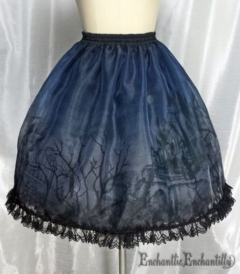 Chantilly - The Castle of Otranto Over Skirt /// ¥17,850 /// Waist:  58~92 cm Length:  56 cm WANT WANT WANT WANT WANT