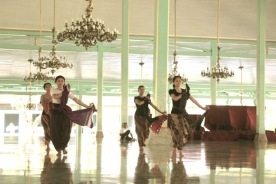 dance practice on Wednesday, #solo #indonesia #dance #travel #tour #traditional