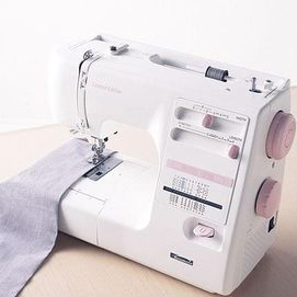 I have missed my sewing machine since it broke a few years back.. wish I had a new one