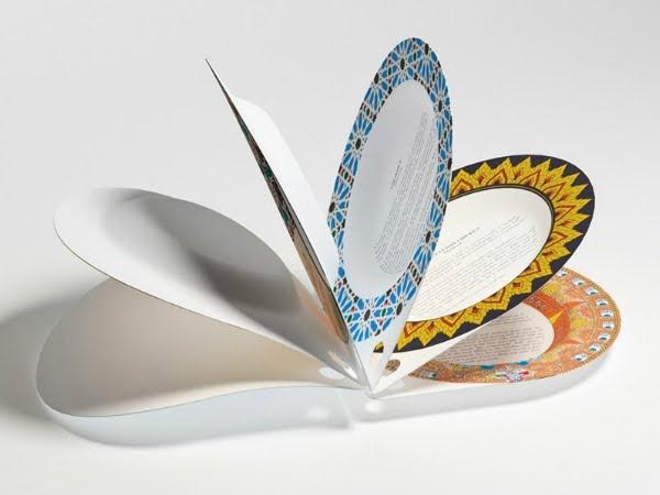 """""""Livro de Almoço"""" é um livro de receitas feito a partir de pratos de papel que podem ser usados para provar a comida diretamente em suas páginas. Criado por Alessandro Garlandini e Sebastiano Ercoli, o é 100% reciclável e compostável e cada prato mostra uma receita de um país diferente.     Blog Ame Design - Amenidades do Design (www.amenidadesdodesign.com.br)      http://www.amenidadesdodesign.com.br/2012/04/lunch-book.html"""