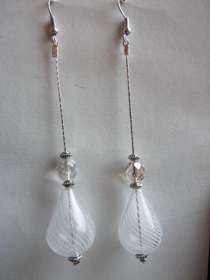 #Orecchini #pendenti con #perla in #vetrosoffiato