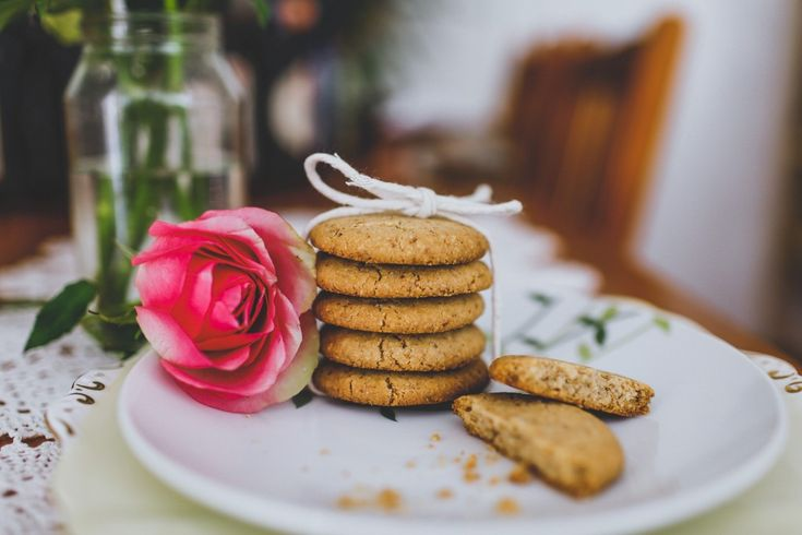 Crunchy Almond Cookies: A good cookie recipe is a must-have in the repertoire. This one is filled with almonds, sweetened with maple and has a perfect crunch.