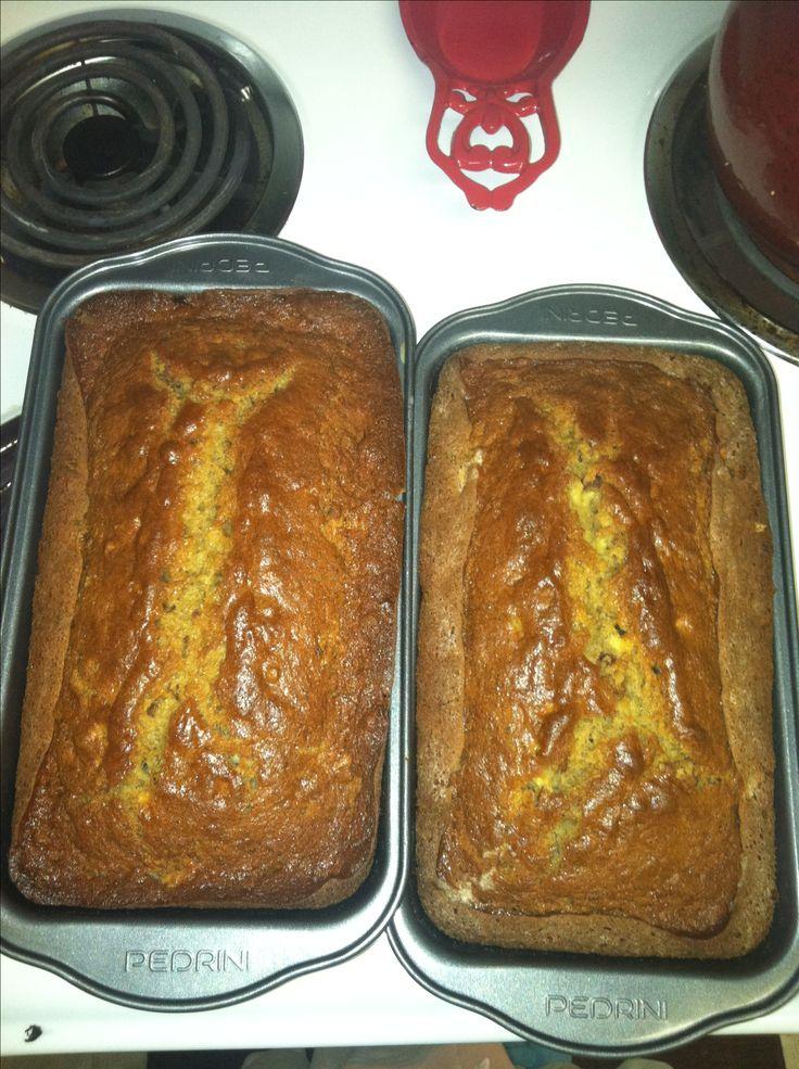 212 Recipe Yummy Delicious Banana Bread: Moist & Delicious Banana Nut Bread
