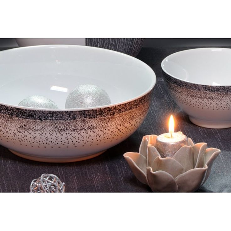 """Saladier collection """"Stella"""".  En grès, diamètre 24 cm.  Superbe qualité pour une table raffinée !"""