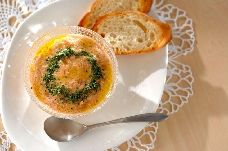 夏の暑い日に体を冷ましてくれる冷製スープです。トマトのガスパチョ[洋食/シチュー・スープ]2017.09.14公開のレシピです。
