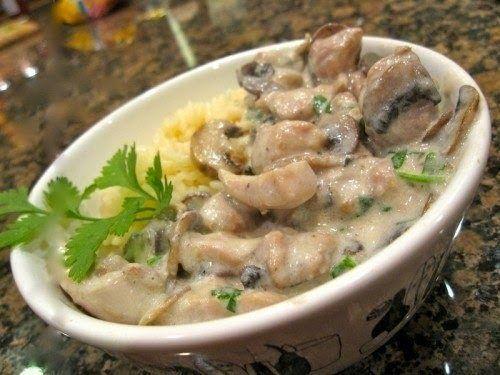 Грибы с курицей под сливочным соусом