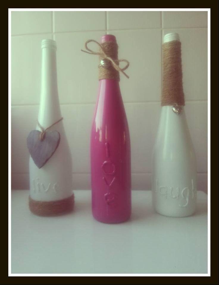 17 beste idee n over lege wijnflessen op pinterest wijnflessen hergebruiken fles knutselen en - Maken rode verf ...
