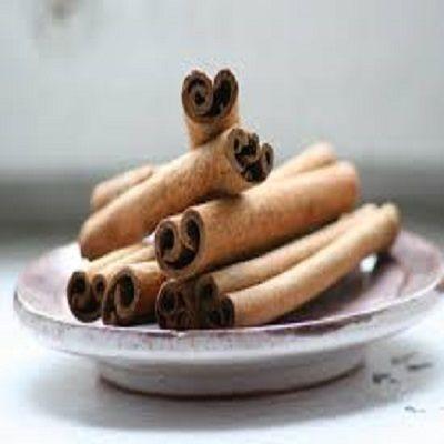 Kaneel is niet alleen populair om zijn smaak, maar ook om de positieve effecten bij o.a. diabetes, schimmelinfectiesof wonden. Met name de combinatie honing-kaneel is krachtig. Wat je misschien no…