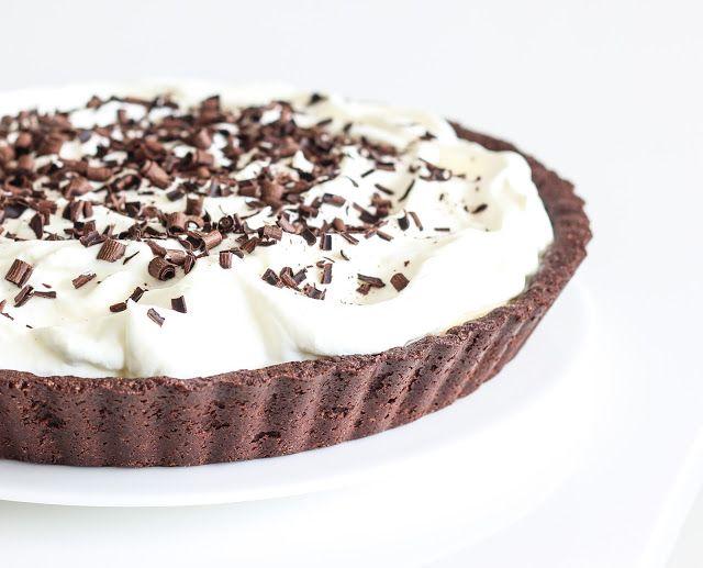 Recept na smetanový banánový koláč s čokoládovým korpusem