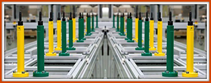 Línea FMS centradores para piezas de automóvil construida con perfil y accesorios MiniTec