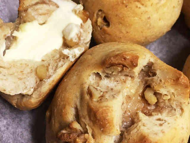 くるみパン クリームチーズver.の画像