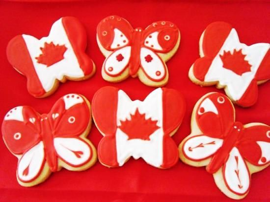 Canada Day food decoration ideas blend delicious ingredients with white and red colors inspired by the Canadian flag and patriotic theme