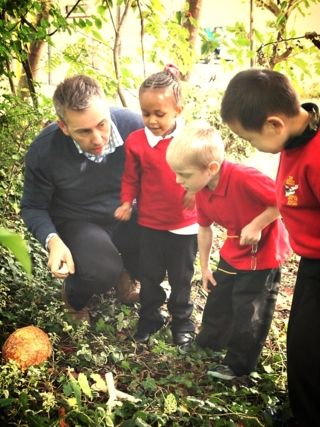 finding a huge egg in the outdoor area #abcdoes #talkmatters #eyfs