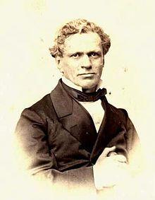 Antonio Varas de la Barra (Cauquenes, 13 de junio de 1817 — Santiago, 3 de junio de 1886)1 2 fue un abogado y político chileno. Senador en dos periodos, entre 1876 y 1888 y diputado en diez periodos, entre 1843 y 1876. Presidió el Senado en dos ocasiones: entre el 4 de julio de 1881 hasta el 2 de junio de 1882 y entre el 2 de junio de 1882 hasta el 23 de noviembre de 1885. Ministro en los gobiernos de Manuel Bulnes Prieto, Manuel Montt y Aníbal Pinto Garmendia.