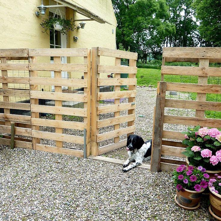 Make a Pallet Fence that will cost