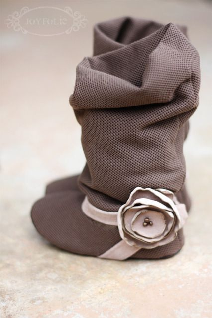 oh my cuteness! Slouchy soft baby boots.