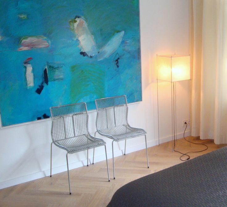 Frank Weil - appartement jaren 30 - schilderij Henk van Vessem - draadstoel