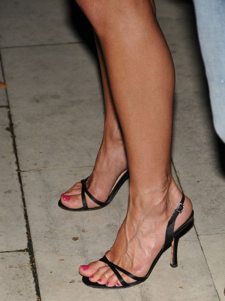 Jennifer Aniston Strappy Sandals - Jennifer Aniston Looks - StyleBistro