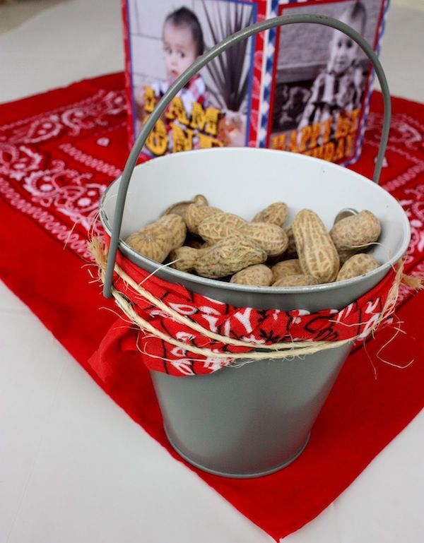 bandana centerpieces ideas | ... with buckets of peanuts and these adorable photo centerpieces