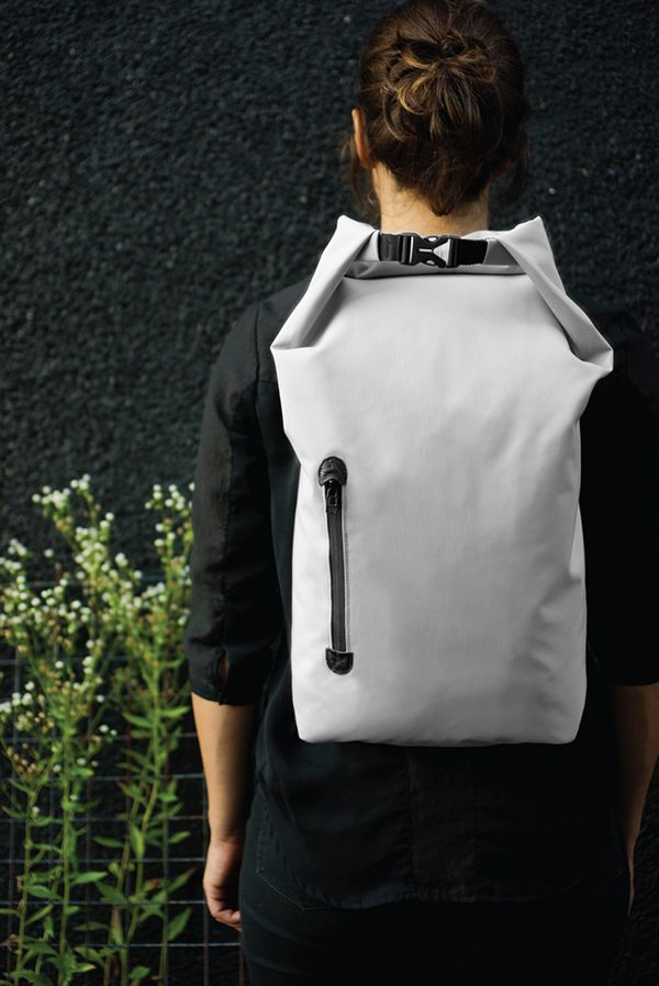 Minimalistic and fashionable daypack.