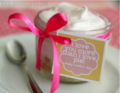 I love you more than pie - Pie in a JarTasty Recipe, Gift Ideas, In A Jars, Mother Day Gifts, Mothers Day Gift, Frozen Lemonade Pies, Savory Recipe, Mothers Day Crafts, Graham Crackers