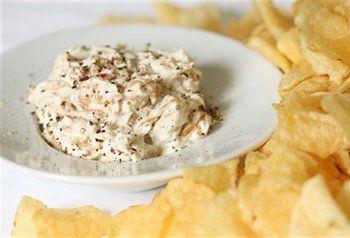 Gekarameliseerde uiendip.Een lekkere dip om te eten met chips of stokbrood.