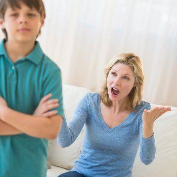 Educar a los niños provocándoles miedo o amenazándoles es un recurso que a pesar de ser ineficaz se emplea con frecuencia para que el niño obedezca y se comporte conforme sus padres desean.