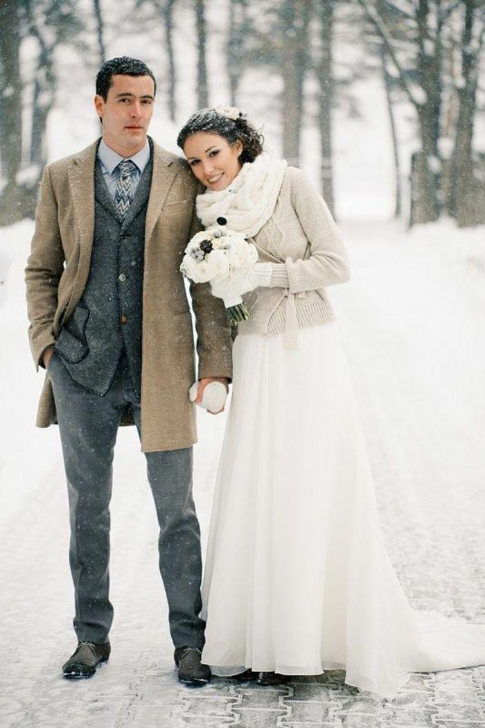 les 25 meilleures id es concernant robes de mari e d 39 hiver sur pinterest d sherbage robes. Black Bedroom Furniture Sets. Home Design Ideas