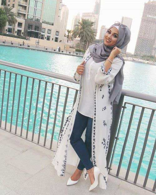 long-white-cardigan-with-details- How to wear cute hijab in honeymoon
