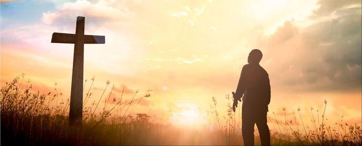 """""""En effet, si, après s'être retirés des souillures du monde, par la connaissance du Seigneur et Sauveur Jésus-Christ, ils s'y engagent de nouveau et sont vaincus, leur dernière condition est pire que la première."""" 2 Pierre 2.20 Judas : ce nom évoque la plus lamentable histoire qu'on puisse imaginer ;..."""