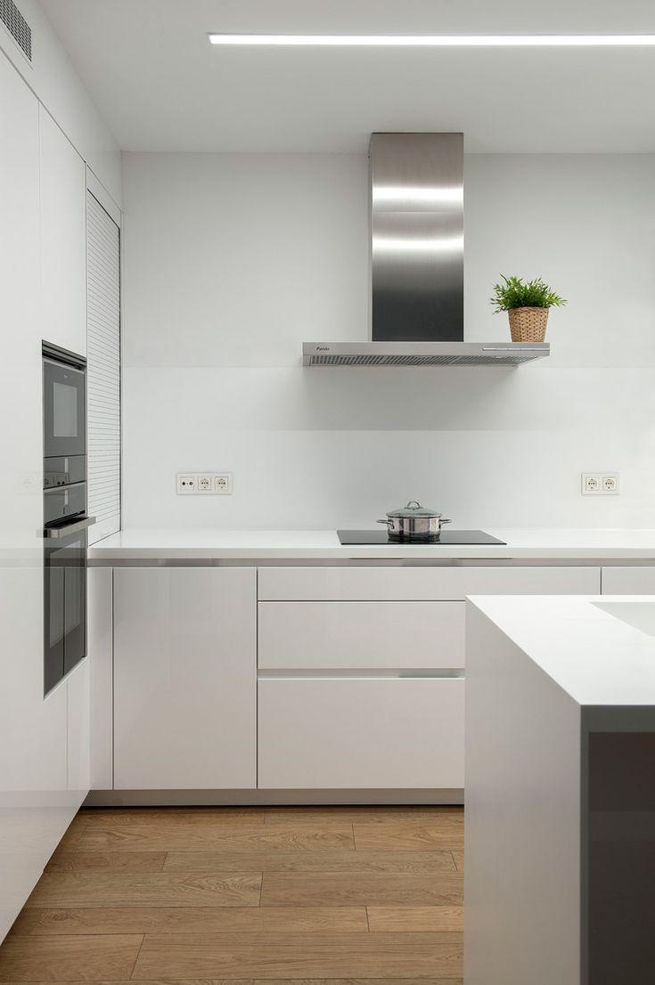 Magnífico #diseño de #cocina realizado por @SantosBrezo con campana de pared Pando P-401.