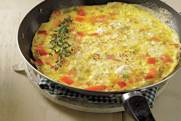 Συνταγή για ομελέτα με τυρί και ντομάτα!